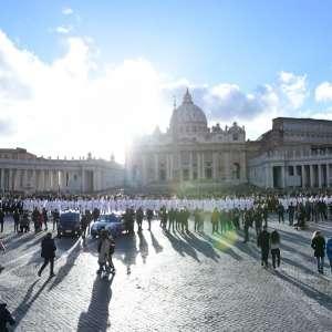 250 templarios católicos en convento general en Roma y Ciudad del Vaticano con Mons. Fisichella
