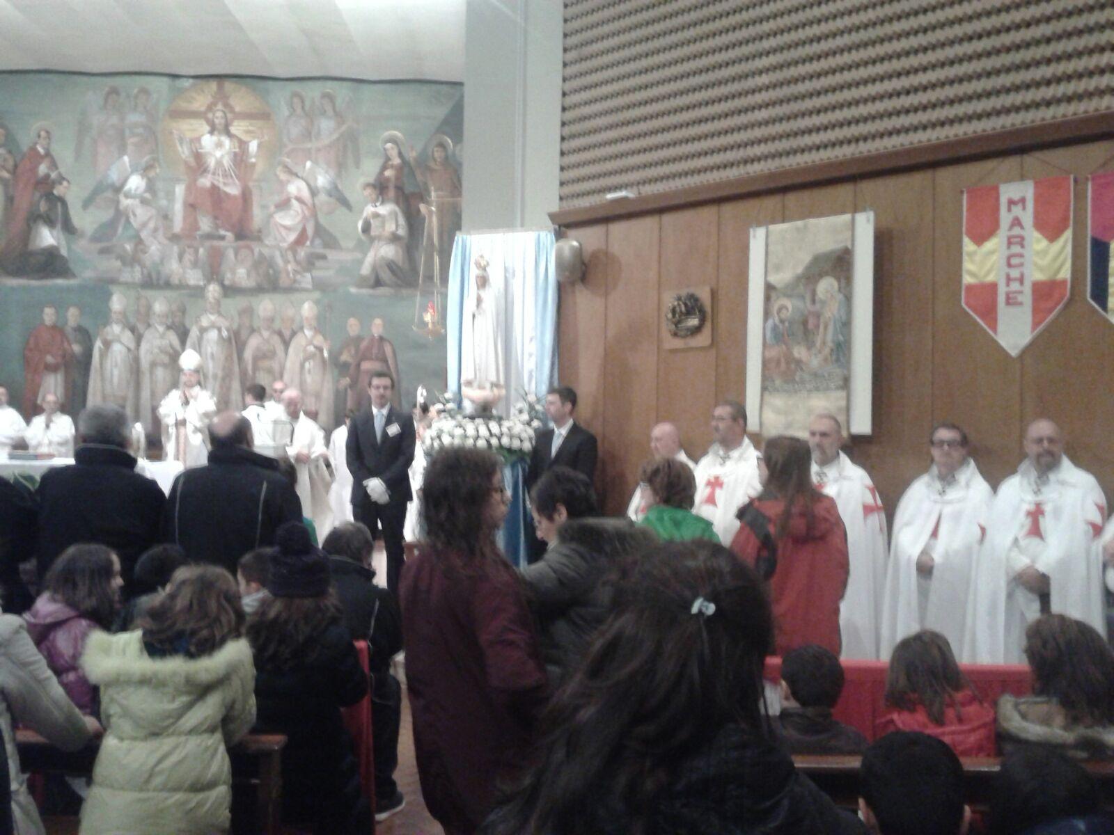 Nuestra Señora Peregrina de Fátima en Vigevano con Mons. Stefano di Mauro