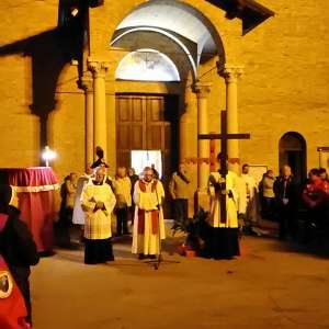 Via Crucis con el Obispo en la iglesia de San Francesco en Fidenza (PR) – 30 de marzo de 2018