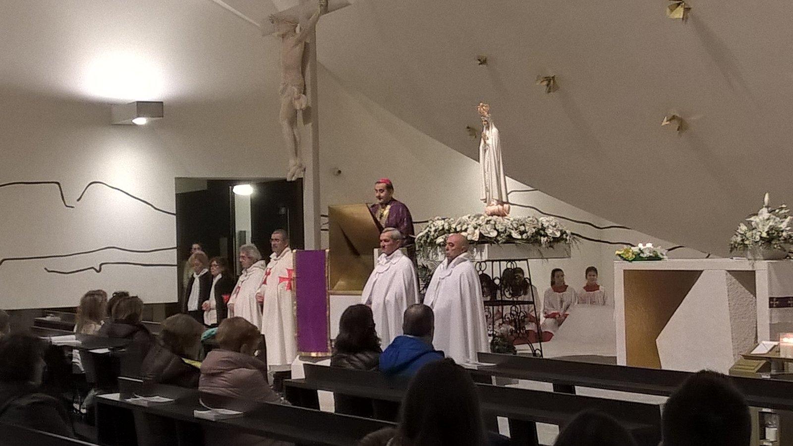 Nuestra Señora Peregrina de Fátima en Trezzano sul Naviglio con Mons. Mario Delpini.
