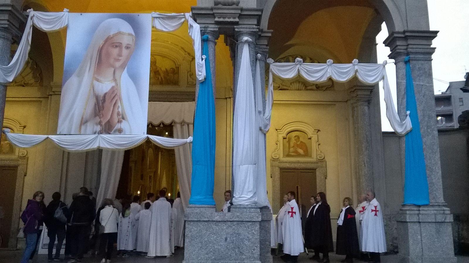 Nuestra Señora Peregrina de Fátima en Arcore 2016 con S.E. Mons. Mario del Pini, vicario General de la Diócesis de Milán
